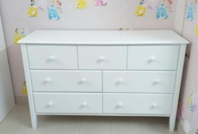 Dạy con bài học gọn gàng, sạch sẽ với tủ nhiều ngăn.