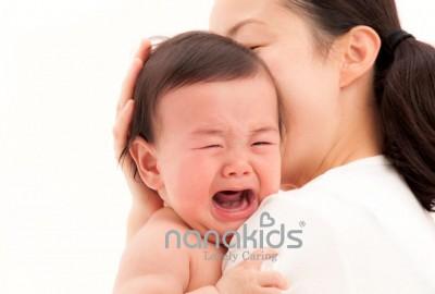 """Bé mọc răng biếng ăn sụt ký, đừng lo, đã có """"tuyệt chiêu""""!"""