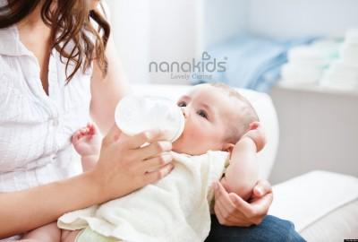 Mẹo chữa nấc an toàn hiệu quả cho bé sơ sinh.