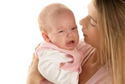 Hậu quả đáng gờm khi bé không học được cách tự ngủ từ nhỏ.