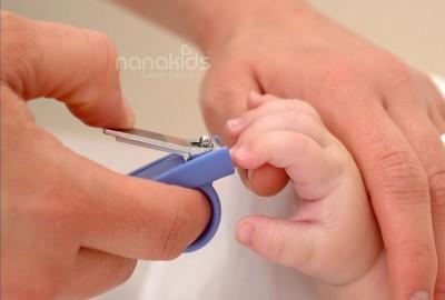Có lẽ mẹ chưa biết- Nguyên tắc cắt móng tay cho trẻ sơ sinh: