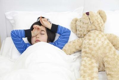 """Ý tưởng giải quyết nỗi sợ  vô hình """"dưới gầm giường"""" của trẻ mới lớn bằng hộc giường hoặc hộc tủ Trunder!"""