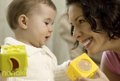 """Phương pháp dạy trẻ học nói """"đúng chuẩn nhất"""" dành cho bố, mẹ."""