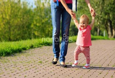 Mẹo hay Hỗ trợ bé yêu nhanh chóng biết đi chỉ với 3 bài tập đơn giản.