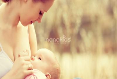 Trăn trở giữa sữa mẹ và sữa công thức, đâu là tốt cho trẻ yêu?