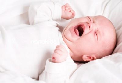 Mẹ bị tâm lý khi mang thai khiến bé sau sinh bị rối loạn giấc ngủ.