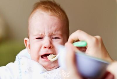 Đừng mắc phải 4 sai lầm sau nếu mẹ không muốn bé bị biếng ăn.