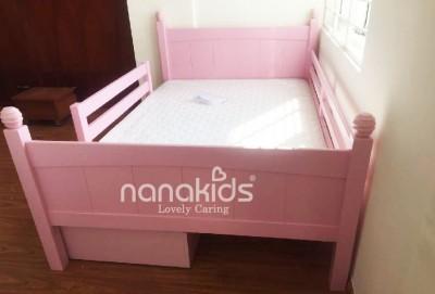 Thiết kế phòng sinh hoạt bé gái với bộ đôi Giường Viking-Bàn Madison Hồng đáng yêu Phạm Văn Hai- Tân Bình-HCM.