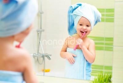 Thời điểm hoàn hảo mẹ nên bắt đầu đánh răng cho con.