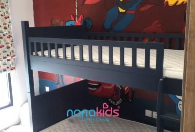 Mẹ Ánh Tuyết, Ecopark Hưng Yên thiết kế phòng bé trai bằng giường tầng Flynn Navy mạnh mẽ, cá tính.