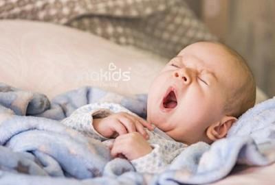 Sai lầm phổ biến mẹ cần tránh để giữ cho trẻ giấc ngủ ngon.
